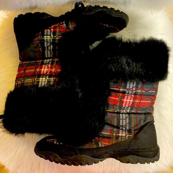 Vintage coach fur boots 9.5